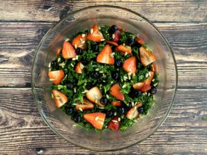 Cover photo for Kale Salad With Honey Lemon Dressing